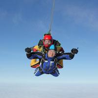 23 февраля картинки с парашютом