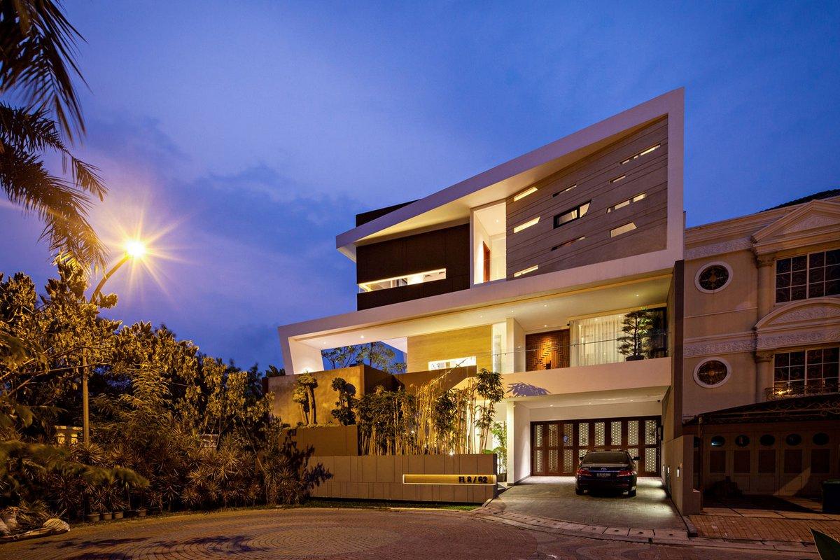 DP+HS Architects, F+W House, стеклянная крыша дома фото, большой частный дом проект фото, стеклянный пол в доме фото, домашний кинотеатр в доме фото