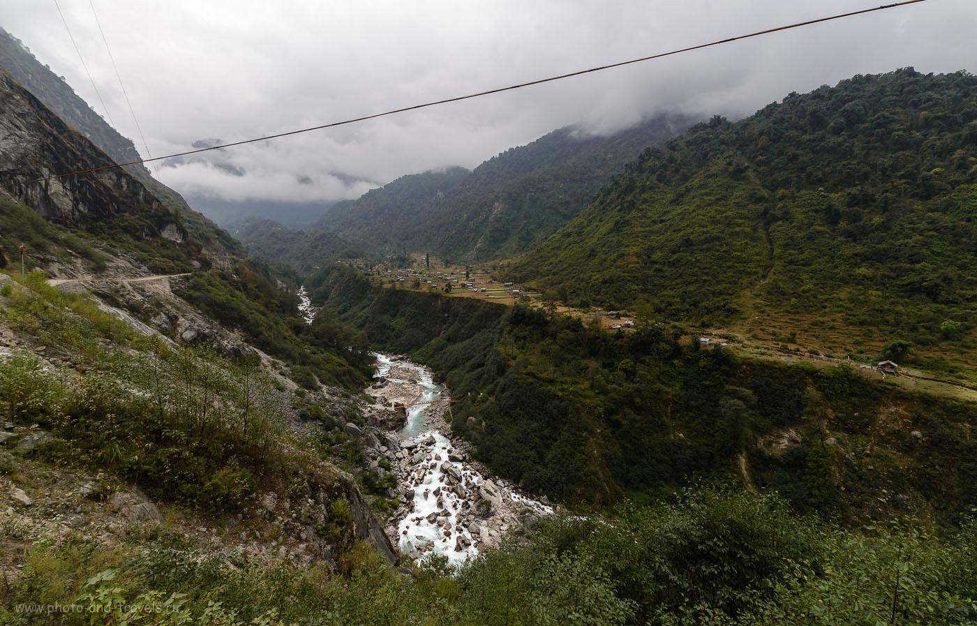 Снимок 7. «Терраса» в горах на подъезде к деревне Lachung на севере штата Сикким. Отзывы туристов об отдыхе в Индии.