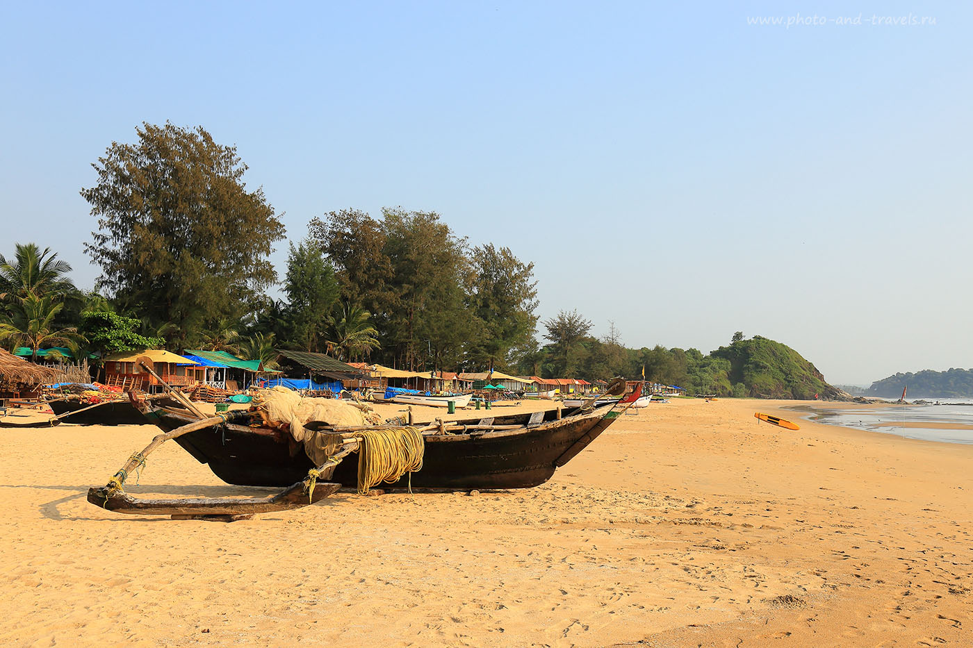 Фото 26. Перспектива пляжа Патнем (Patnem Beach) на Южном Гоа. Отзыв об отдыхе в Индии (24-70, 1/50, 0eV, f10, 31mm, ISO 100).