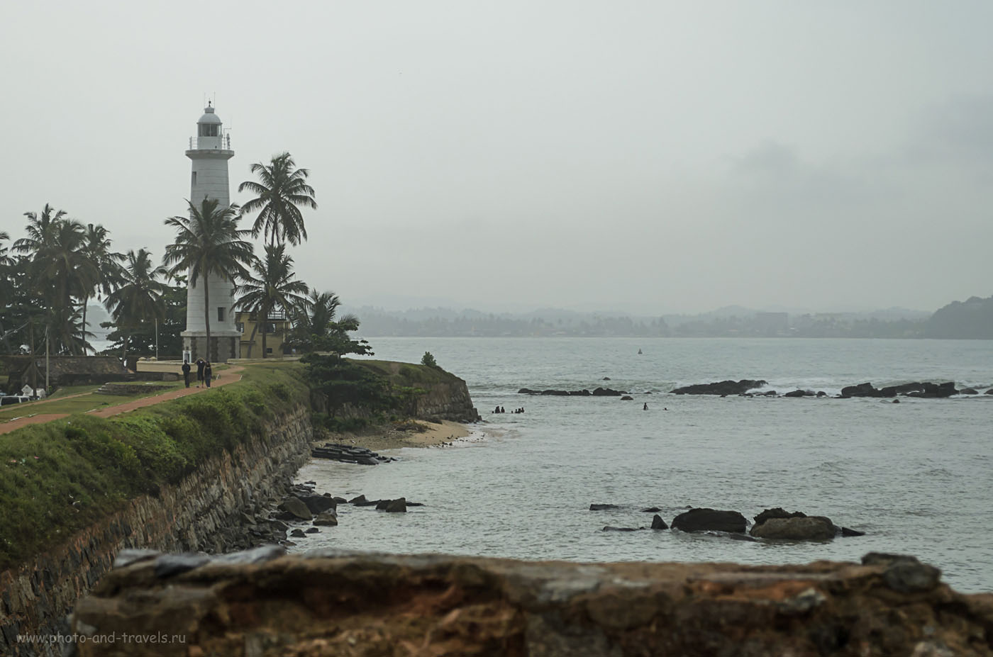 Фото 5. Маяк в форте Галле (Fort Galle) на берегу Индийского океана на Шри-Ланке. Отзыв о самостоятельной экскурсии из Хиккадувы (Hikkaduwa). Интересные места, куда можно отправиться, если надоел пляжный отдых.