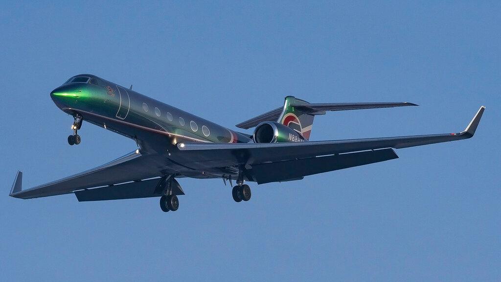 N888XY GLF5 Metropolitan Aviation VKO 1.jpg