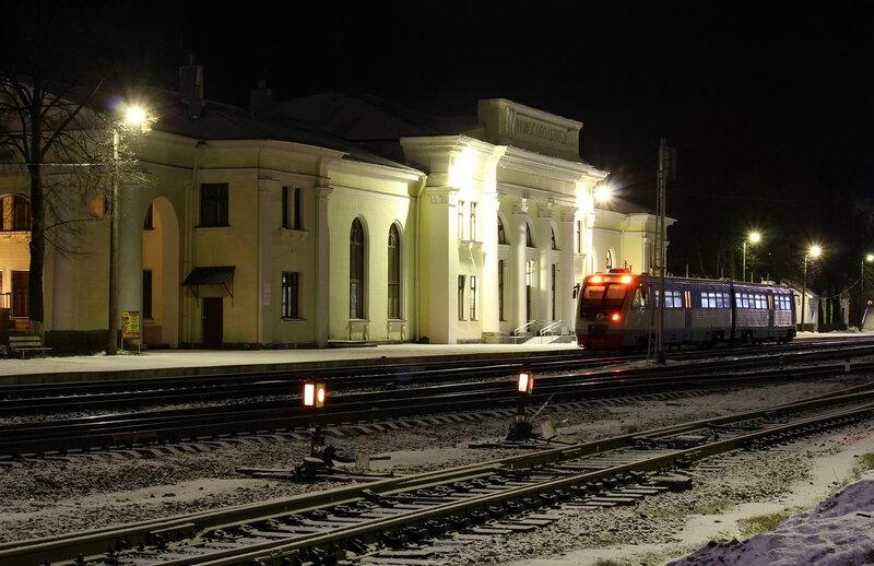 РА2-012 на станции Новосокольники готова к отправлению на Великие луки