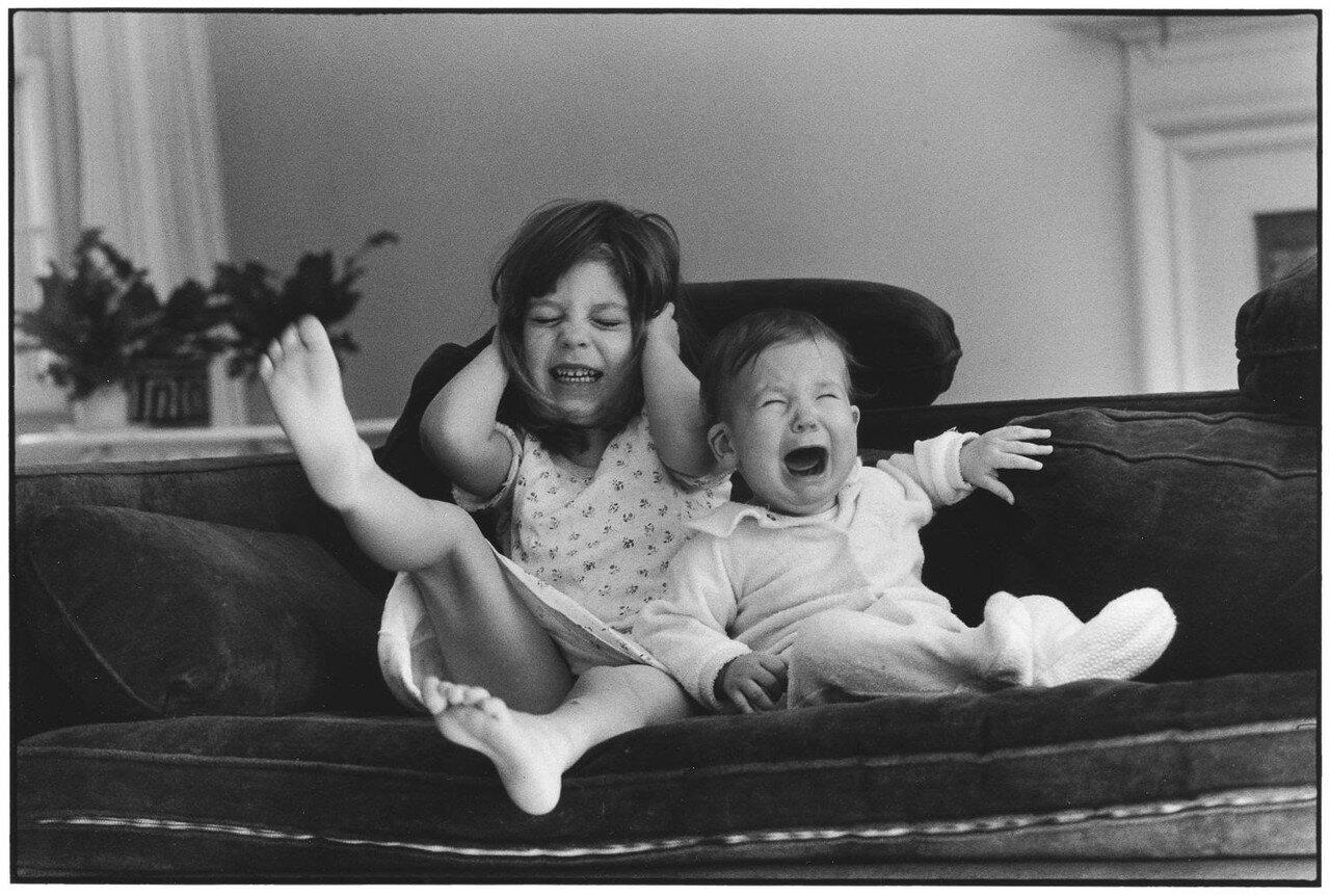 1981. Нью-Йорк, Ист-Хэмптон. Дочери фотографа Саша и Эми