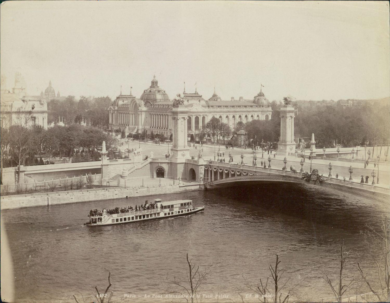 1900. Мост Александра III и Малый дворец