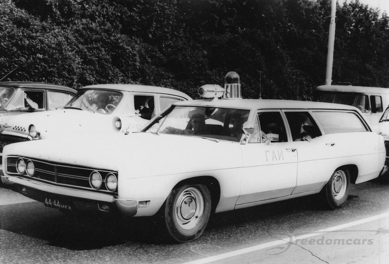01-Ford_Galaxie_Wagon_police_package-GAI-1970.jpg
