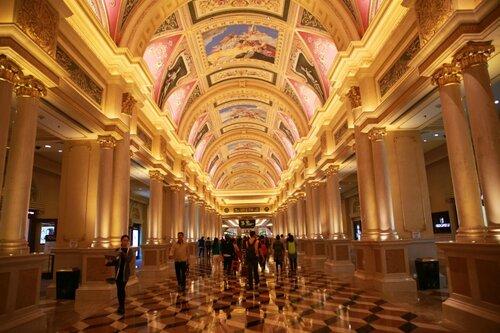 Вход в казино Venetian