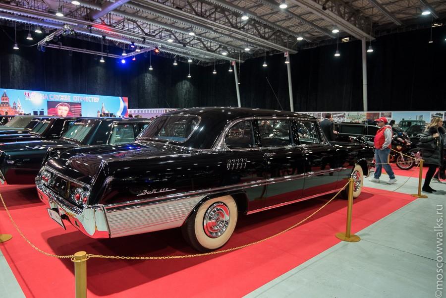При Брежневе, страстном любителе хороших машин, Гараж особого назначения пополнился и штучными экзем