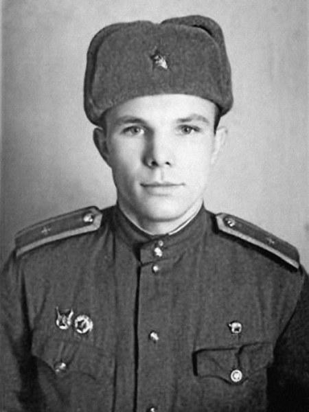 После успешного окончания училища, в 1957-м для Ю. Гагарина открылись новые перспективы – авиация Се