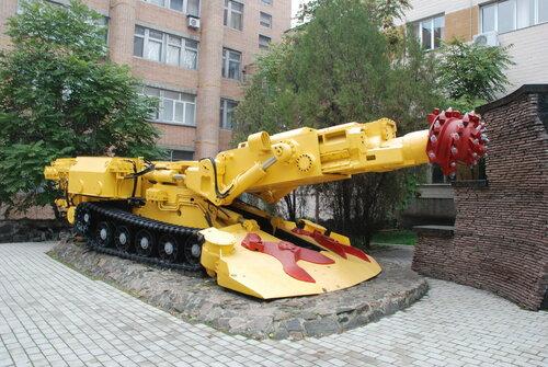 горнодобывающая техника в Донецке (Украина)
