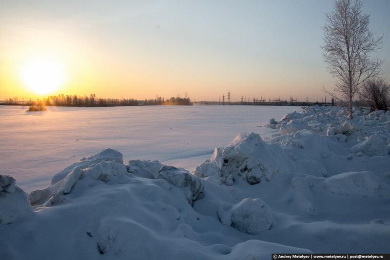 Рассвет на зимнем поле