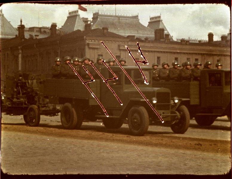 Первомайская демонстрация 1947 г. в Москве. Владислав Микоша8.jpg