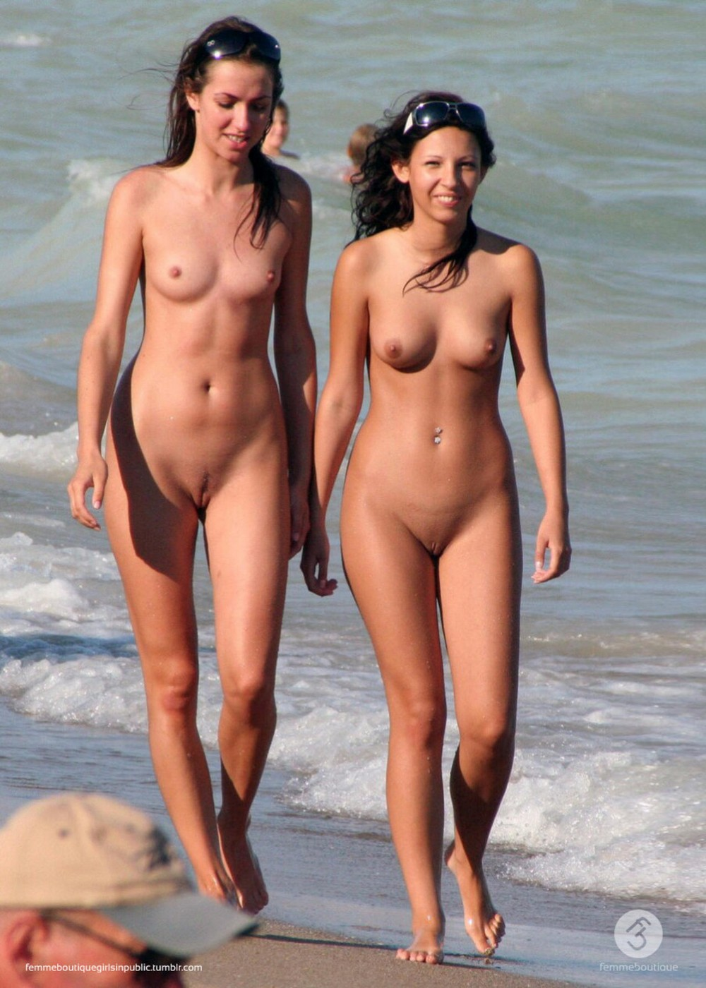 Young nudists beach pics