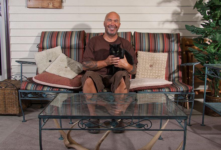 """0 1810d6 416125ce orig - Фотоподборка на тему """"Одинокие мужчина со своими котами"""""""