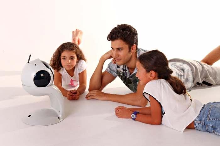 Домашний робот-конструктор для детей и взрослых, которого можно научить, чему угодно