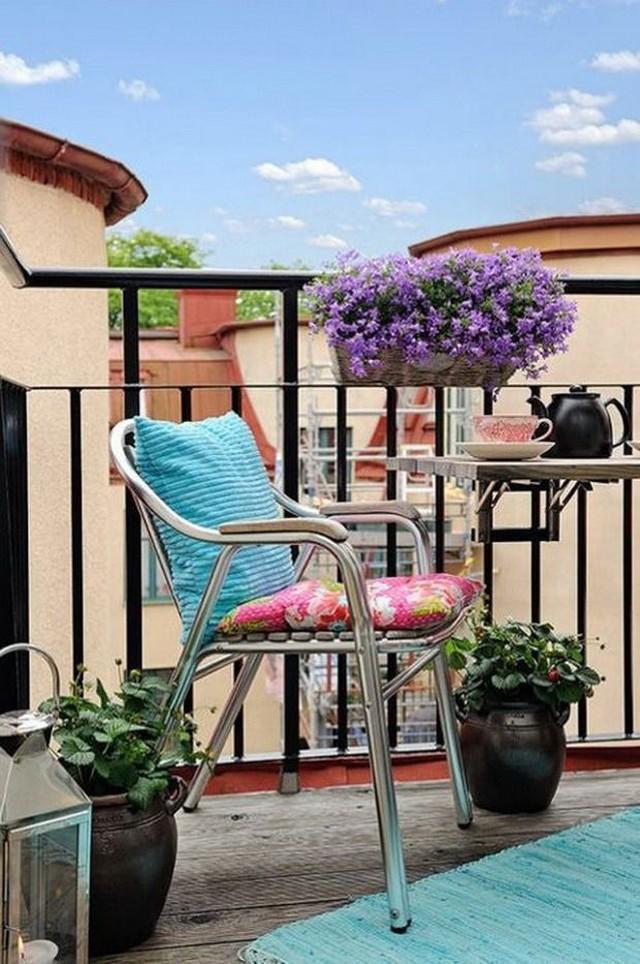 11. Иногда достаточно одного хорошего кресла Нужно учитывать, что мебель для открытого балкона должн