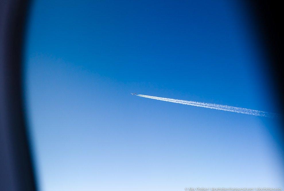 Однако такой подход приводит к увеличению издержек, и билеты на рейсы таких авиакомпаний можно назва