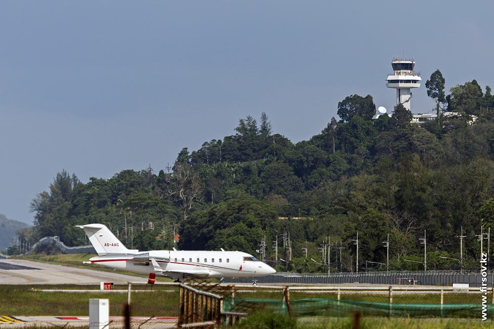Challenger_605_A6-AAG_Gulf_Wings_2_HKT.JPG