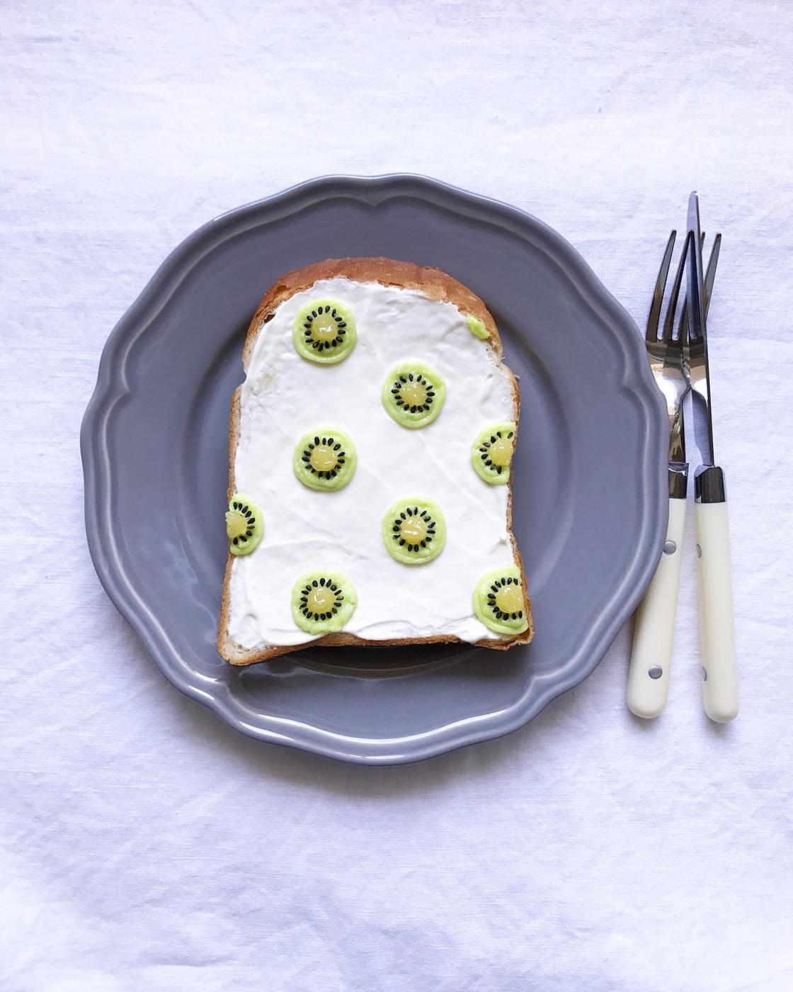 The cute creative toasts of Eiko Mori