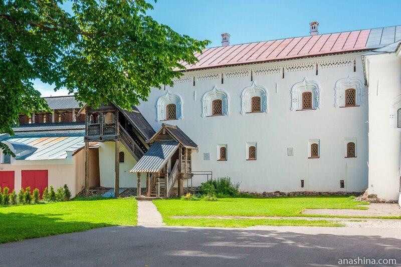 Лихудов корпус, Великий Новгород