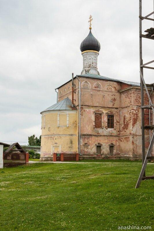 Церковь Введения во храм Пресвятой Богородицы, Новоторжский Борисоглебский монастырь, Торжок