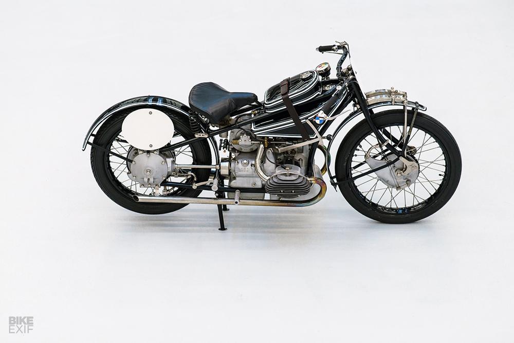 Копия старинного мотоцикла BMW WR 750 Kompressor 1929