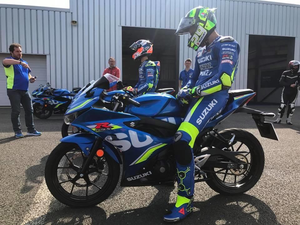 Андрея Янноне и Алекс Ринс испытали Suzuki GSX-R125 (видео)