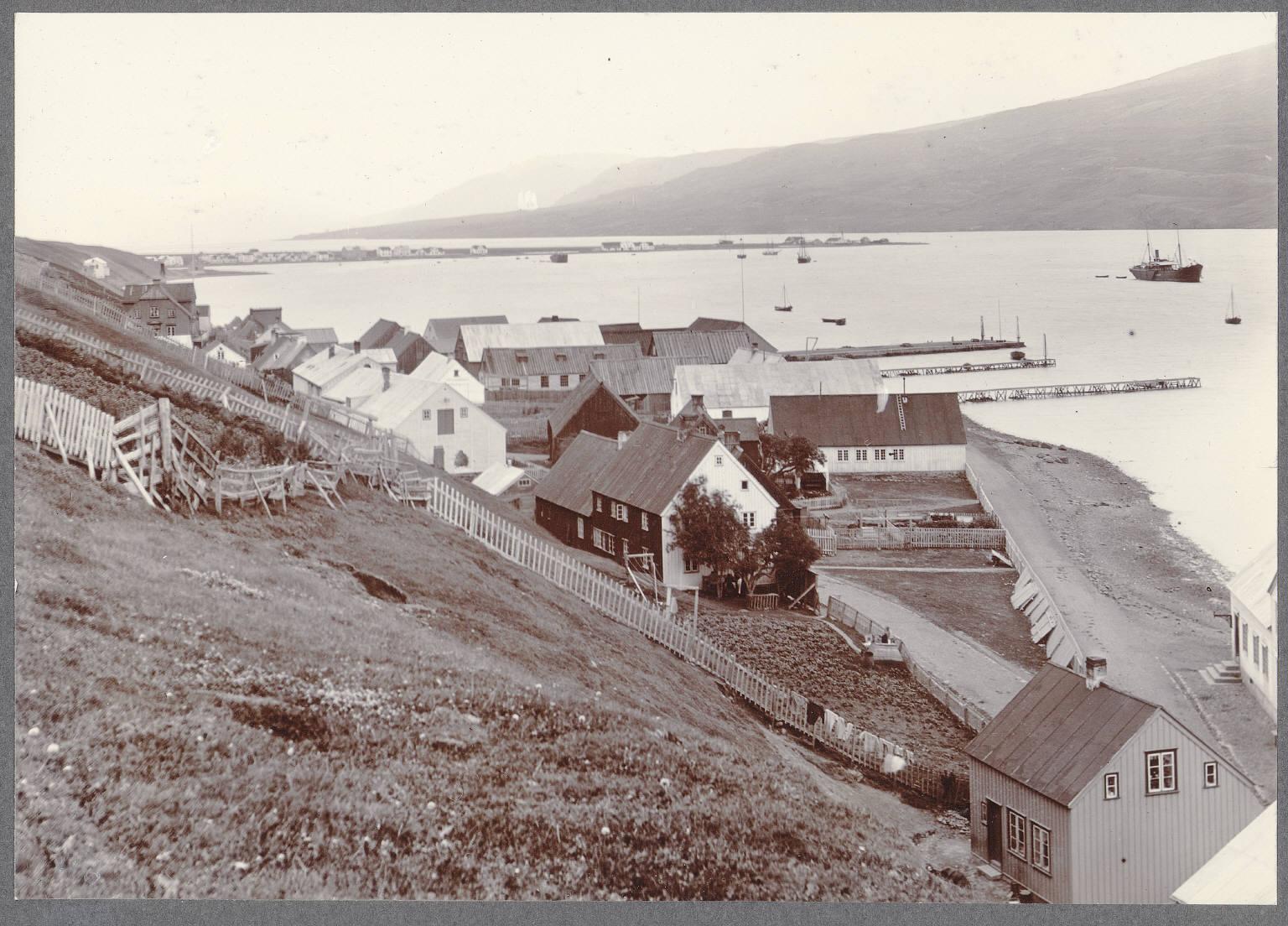 Вид фьорда Эйяфьордюр из Акюрейри