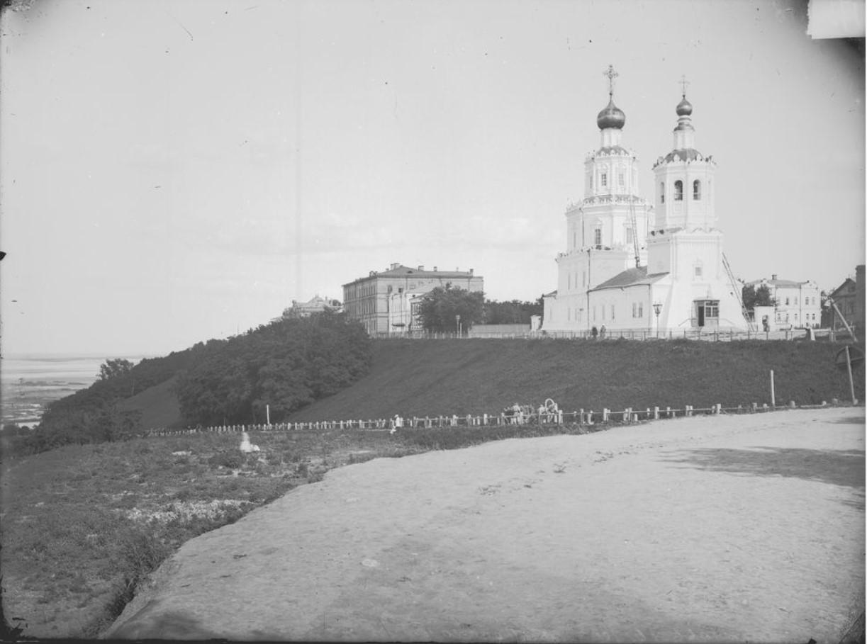 Вид на Георгиевскую церковь