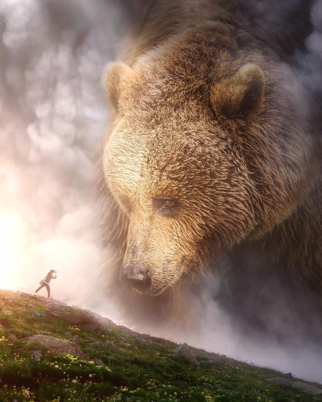 Большие животные и маленькие люди: сюрреалистические фотоманипуляции Эбена Маккриммона