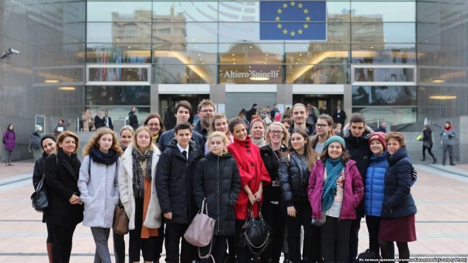 15-летняя дончанка в апреле представит Украину в детском Европарламенте