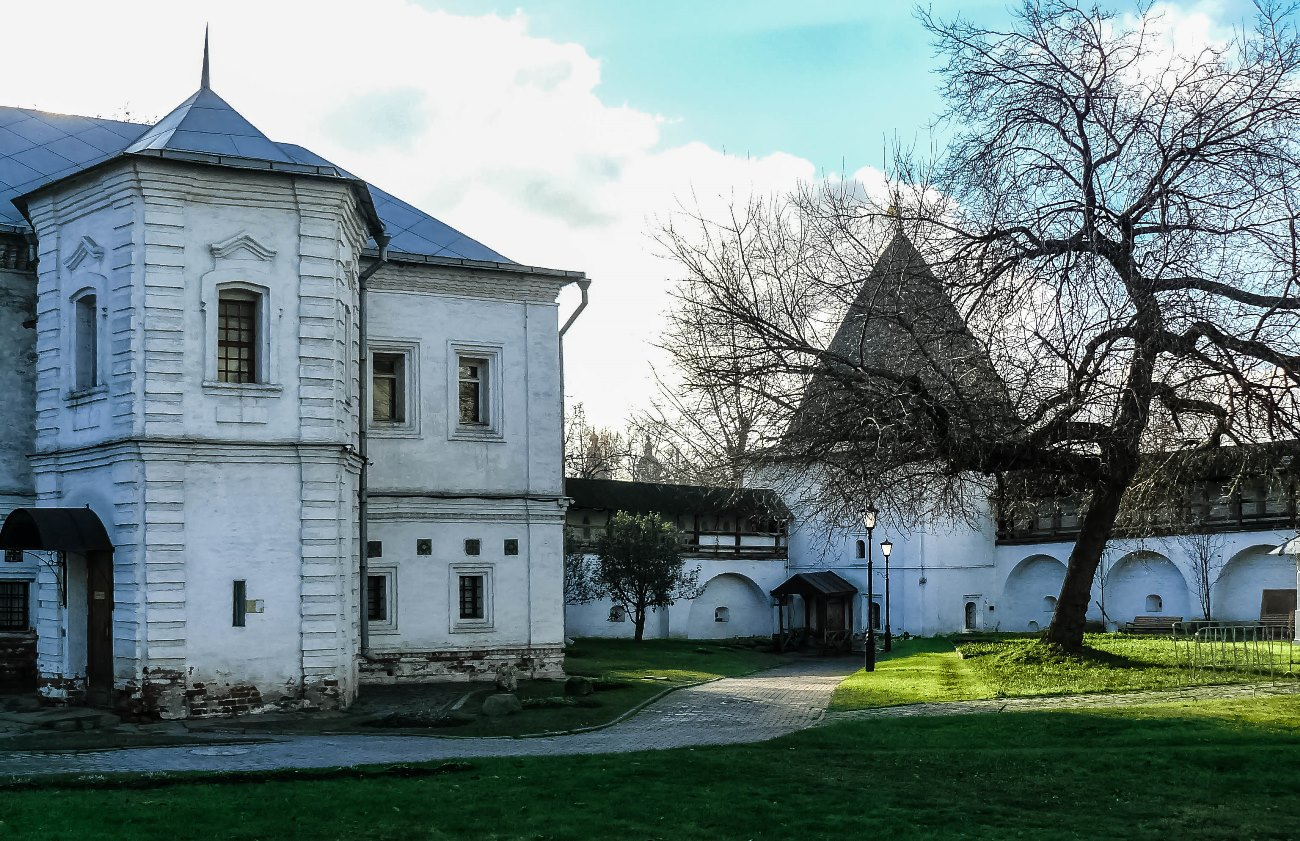 irina-fortuna-andronikov-monastery 04.jpg