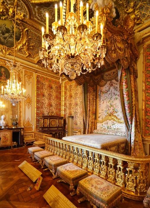 Главные апартаменты королевы Франции.    Кстати, именно тогда «король-солнце» издал указ о том,