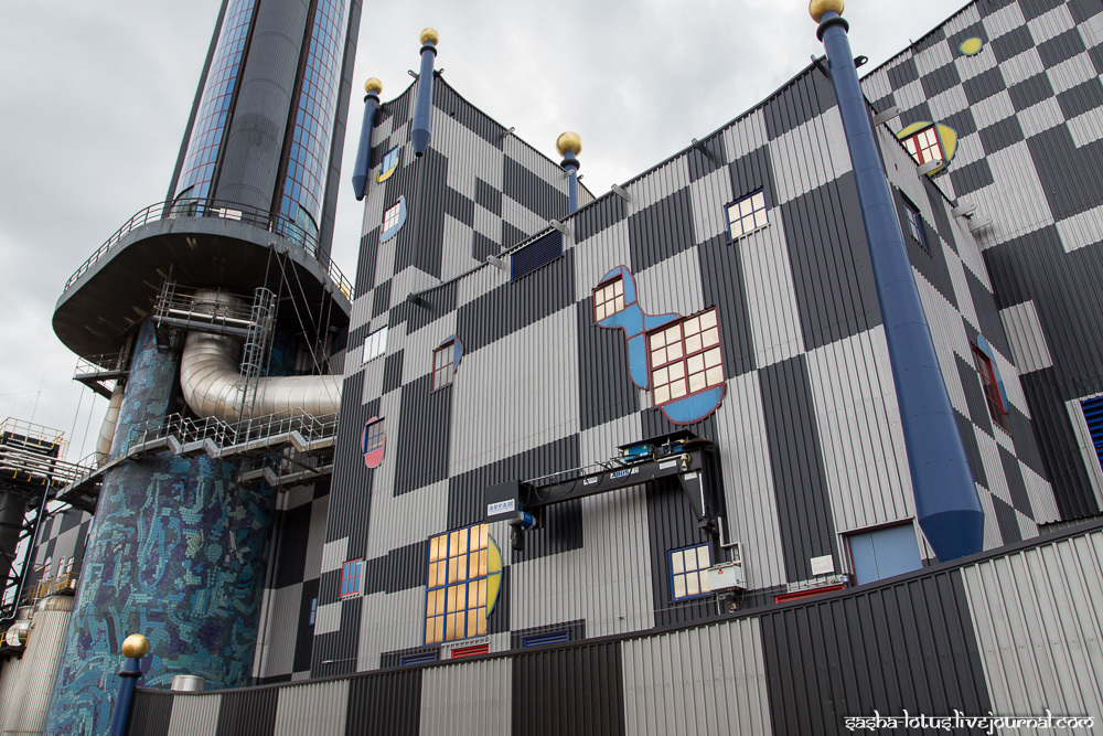 На Шпиттелау перерабатывают до 250000 тонн мусора в год. Завод интегрирован в городскую систем
