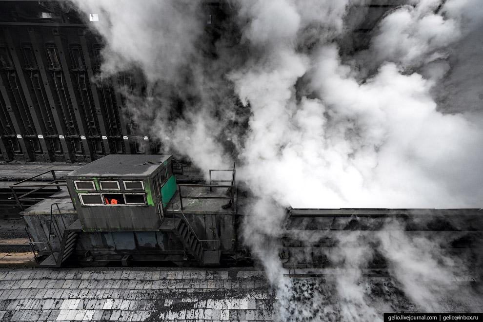 19. Частицы кокса сортируют и отправляют на склад, откуда топливо поступает на металлургическое прои