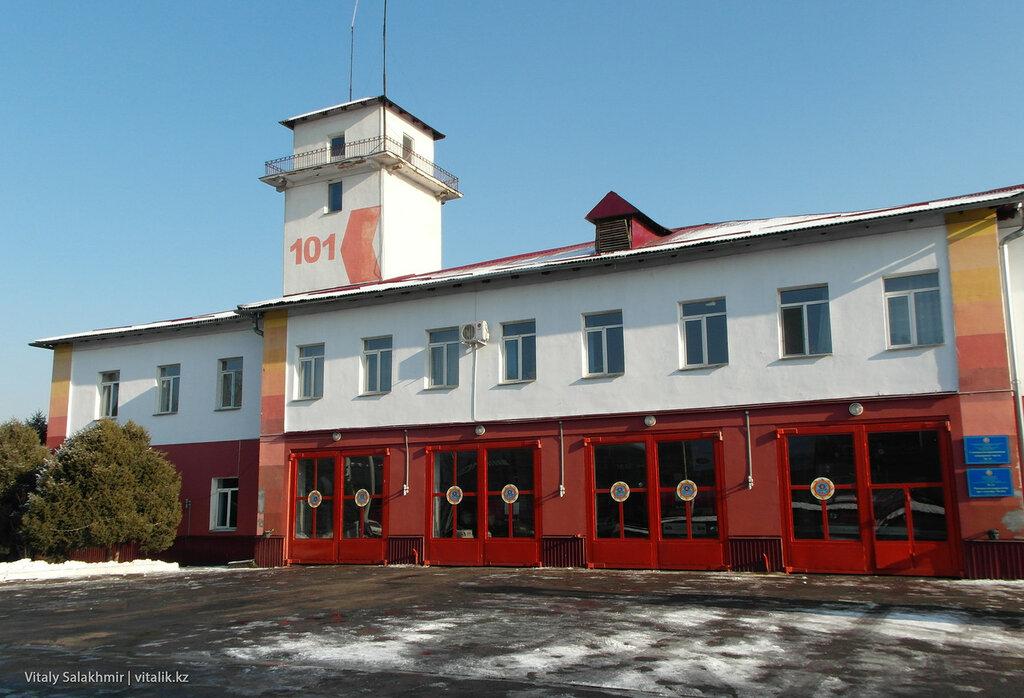 Пожарная часть 11 на Хмельницкого.