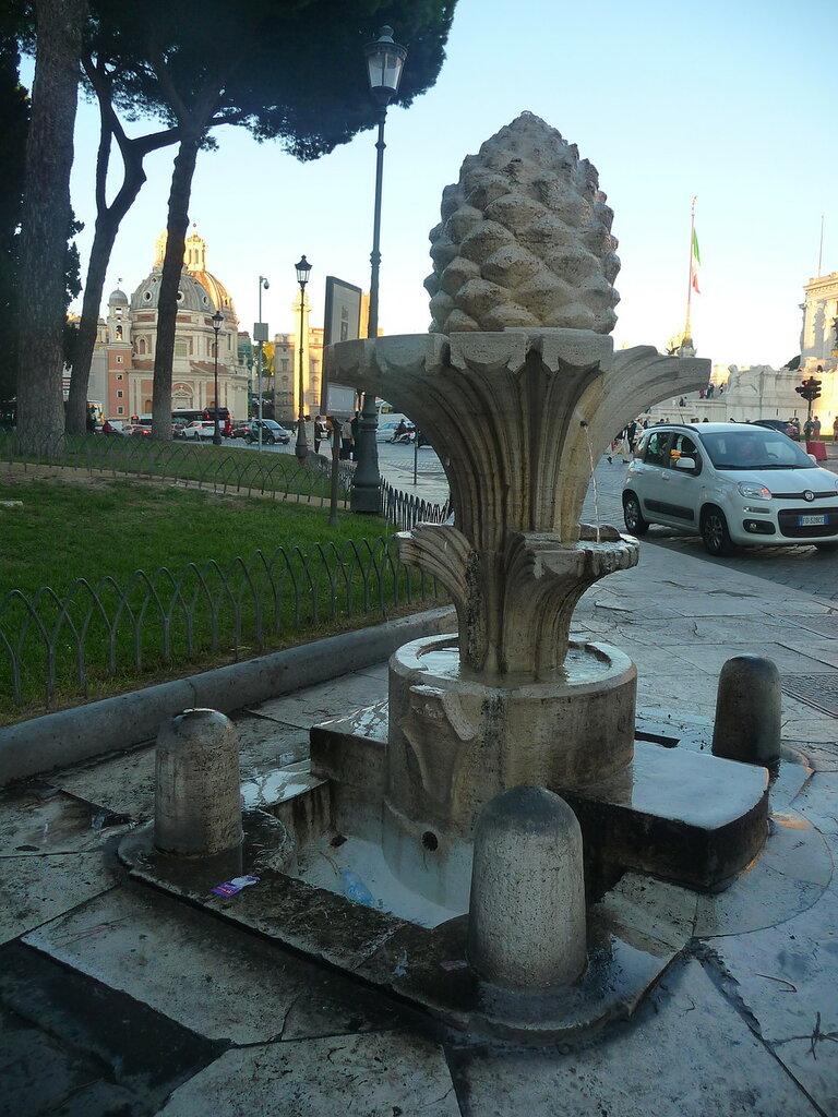 La fontana Pigna (2).JPG