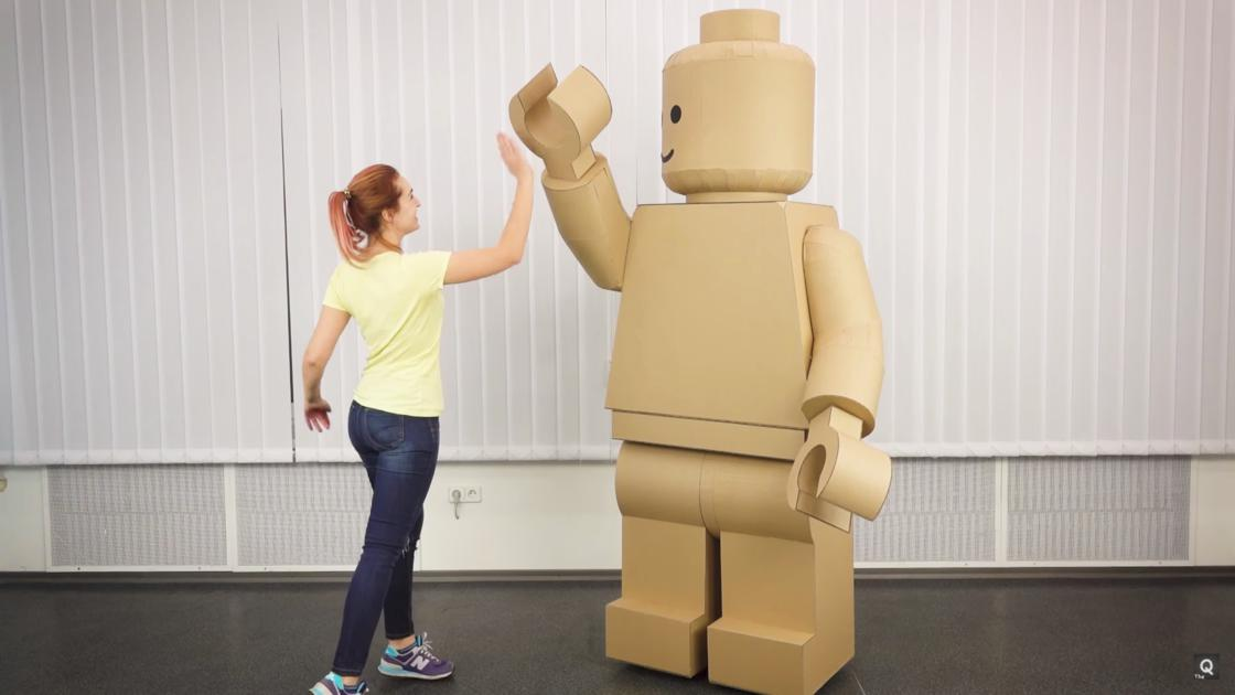 How to make a LEGO Minifig costume for Halloween (18 pics)