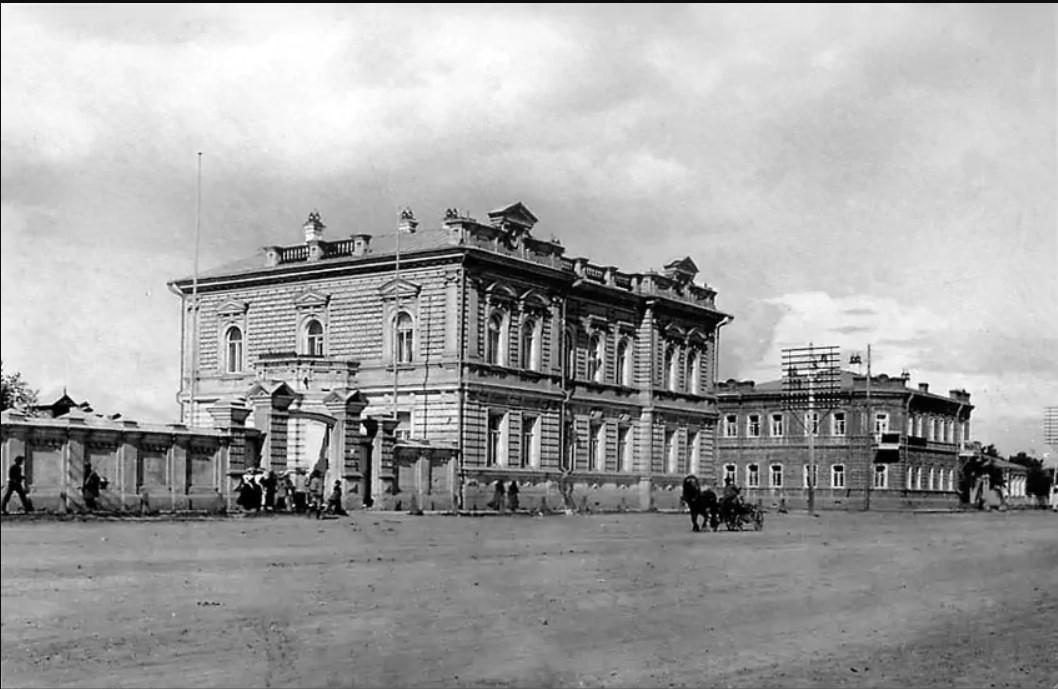 Дом купца Г.П. Ларина на Большой улице