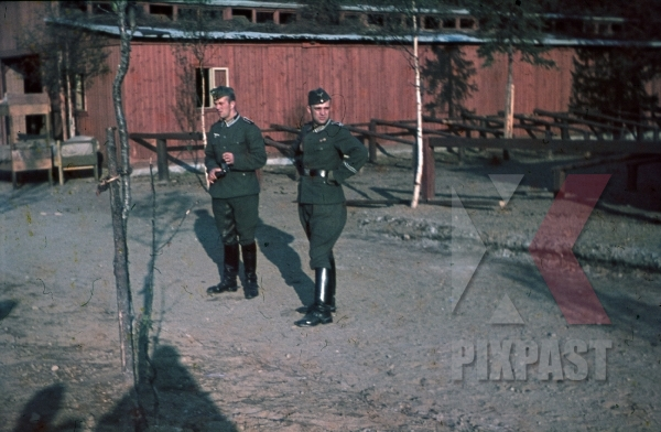 stock-photo-german-wehrmacht-officers-in-military-barracks-kaserne-norway-1941-8012.jpg