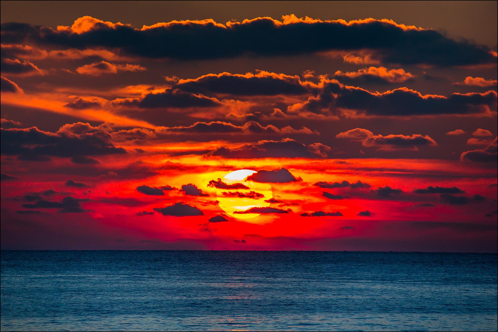 День Черного моря. Закат над морем