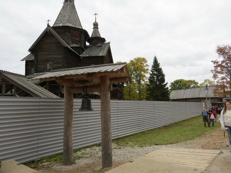 Колокол в музее Витославлицы в Великом Новгороде