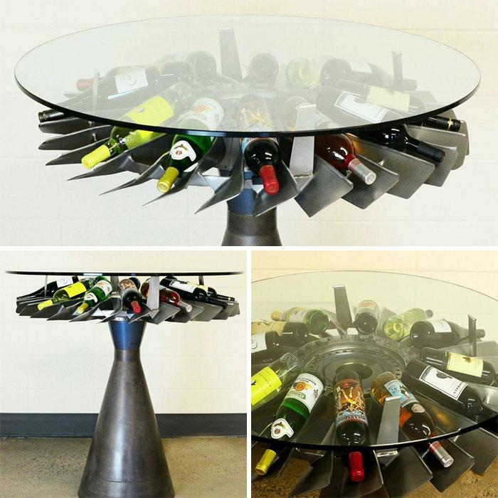 Столик и место для хранения вина.