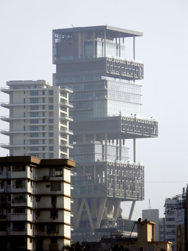 © wikimedia  Самый большой частный жилой дом вмире— 9лифтов ввестибюле, парковка на168 ав