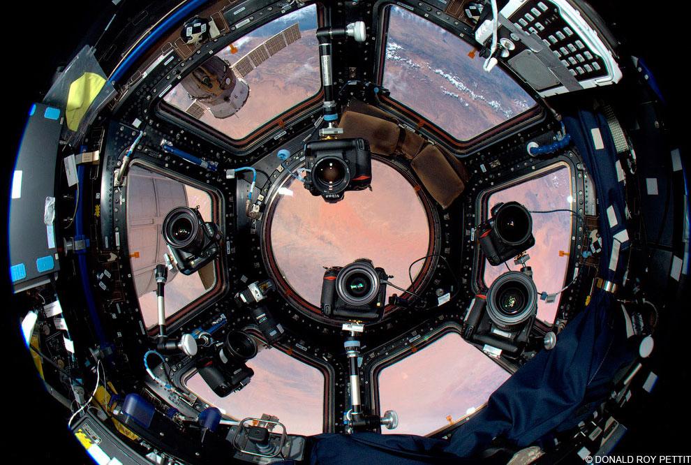 18 сентября 2010. Ребята экипажа «Союз ТМА-18» буквально за неделю до своего возвращения на Землю. С