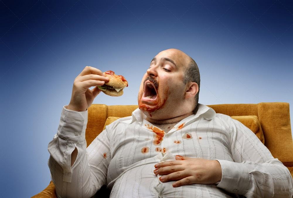 Можно ли объесться до смерти? (2 фото)