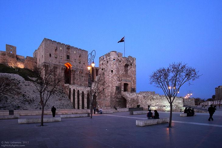 В 1828 году крепость серьёзно повреждена от сильного землетрясения. Последствия были столь плачевны,