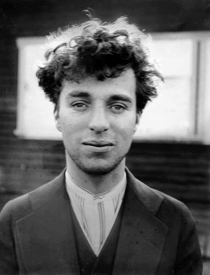 6. Чарли Чаплин в возрасте 27 лет, 1916 год.