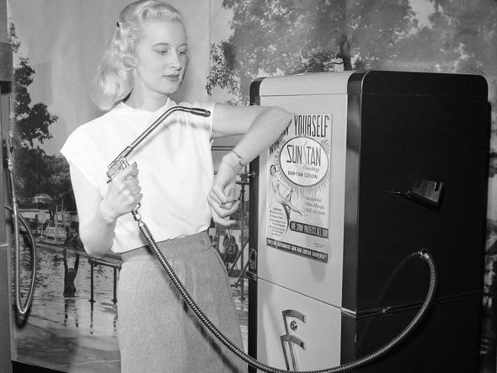 22. Автомат для загара, 1949 год.