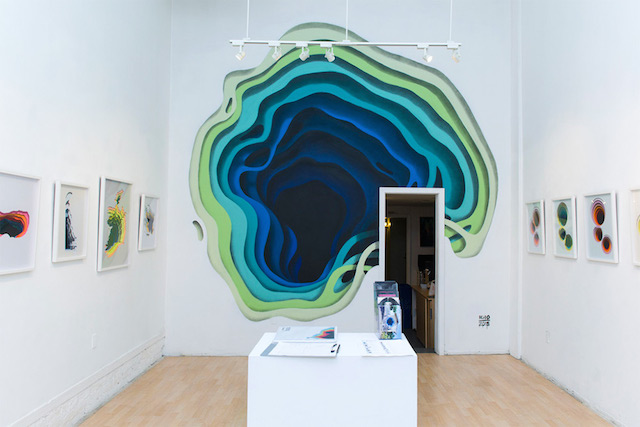 Hidden Portals of Color in Walls (10 pics)